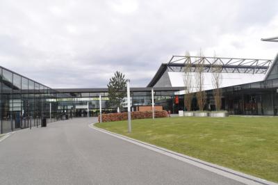 Messe Stuttgart, Agentur für Messebaupersonal: Messebauer, Auf- und- Abbauteamsebauhelfer-messe-stuttgart-auf-und-abbauteams