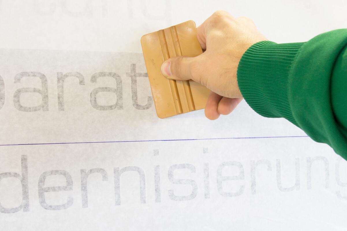 messeaufbau dekorateur grafik rakeln sofort buchen